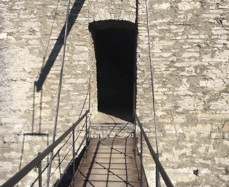 Старинный замок Вецио
